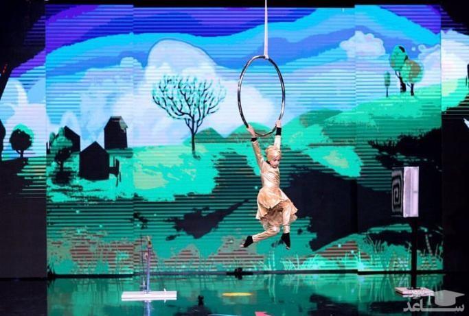 (فیلم) اجرای زیبای زهرا بیرامی دختر ژله ای در برنامه چهارم از مرحله نیمهنهایی عصرجدید