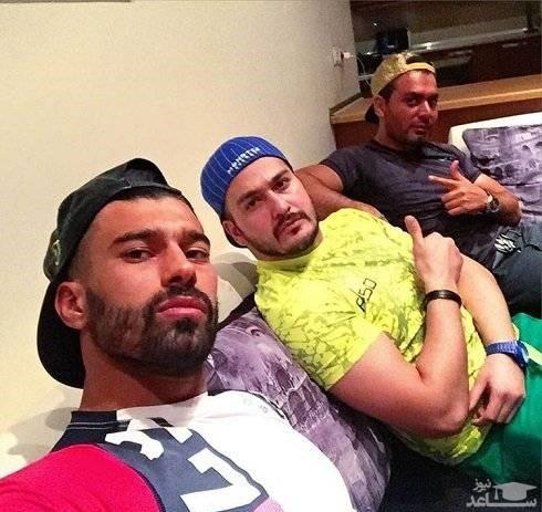 میلاد کی مرام در کنار دوستان فوتبالیش