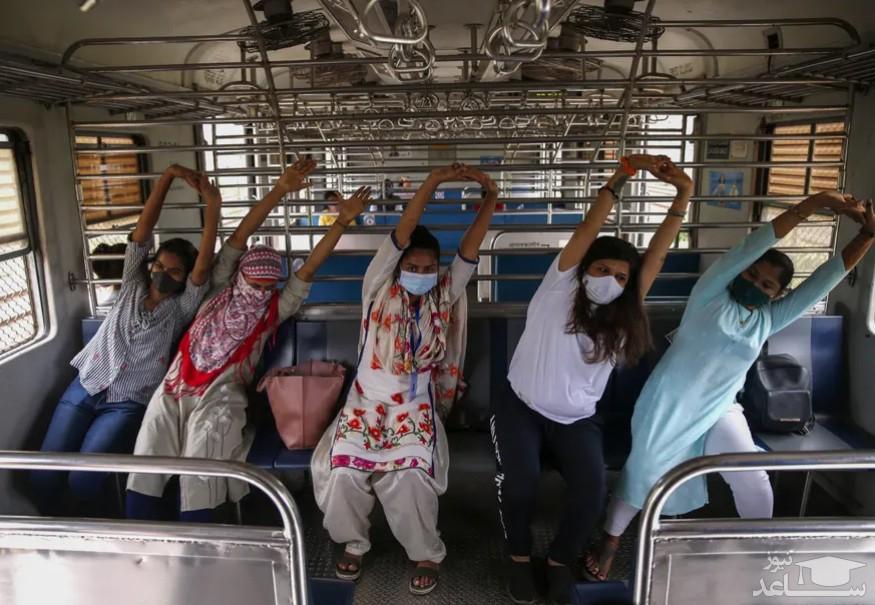 روز جهانی یوگا در شهر بمبئی هند