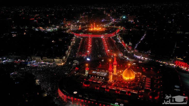 نمایی هوایی از منطقه بین الحرمین در شهر کربلا در شب اربعین حسینی/ رویترز