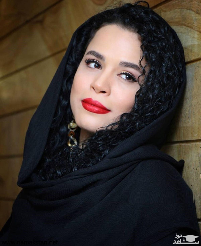 گشت و گذار ملیکا شریفی نیا با دوستش