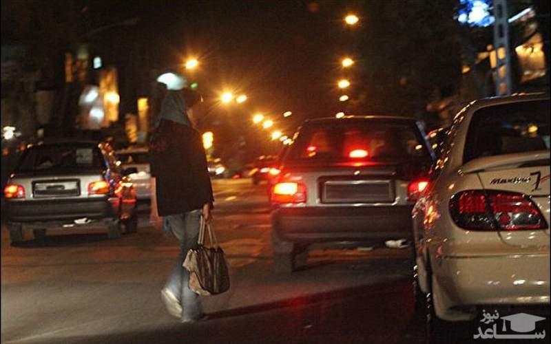 تن فروشی دختر دبیرستانی بعد تعطیلی مدرسه در ماشین پژو پارس!