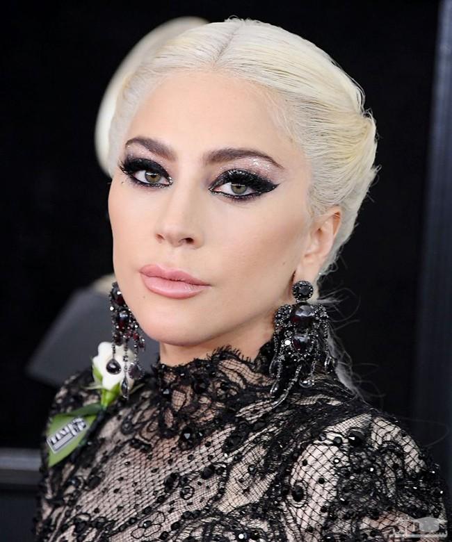 عجیب ترین لباس لیدی گاگا در جشن جوایز موسیقی ام تی وی