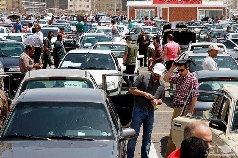 چرا قیمت خودرو در بازار بیمشتری بالا میرود؟