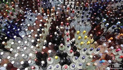حراجی مشروبات الکلی در ورامین/ هر بطری دلستری 35 هزار تومان