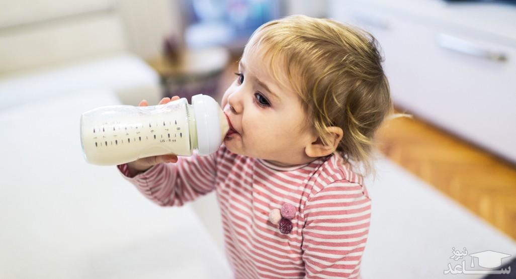 به نوزادان و کودکان چه نوع شیری بدهیم؟