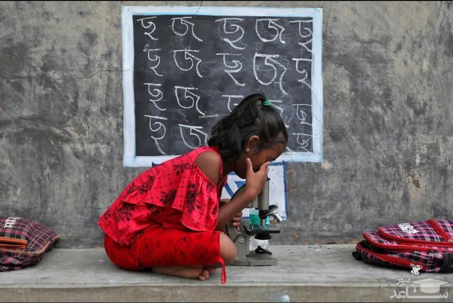 کلاس های درس در فضای باز دانش آموزان در بنگال غربی هند/ رویترز