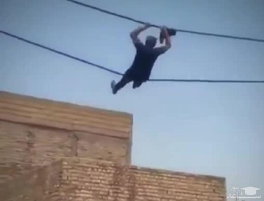 (فیلم) فرار از دست پلیس به شیوه مرد عنکبوتی در آبادان