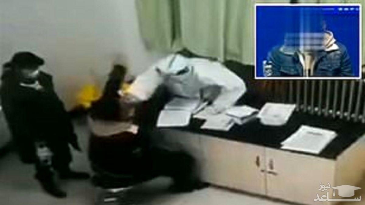 (فیلم) سیلی زدن بیمار به پرستار حین انجام تست کرونا!