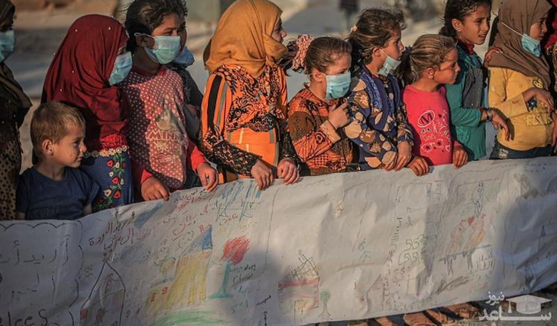 (تصاویر) طومار صلح کودکان بی خانمان در ادلب