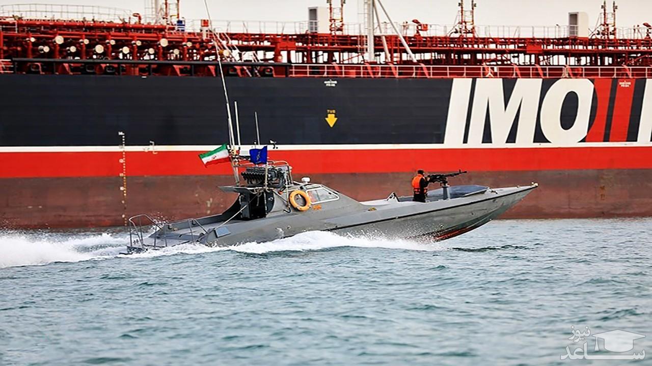 (فیلم) فیلمی از انتقال نفتکش کره جنوبی توسط نیروی دریایی ایران