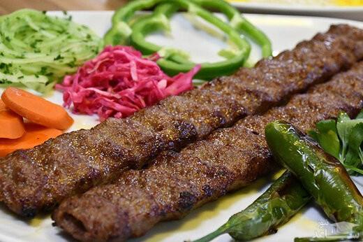 در کباب کوبیده ارزان قیمت از گوشت قورباغه استفاده میشود؟ + فیلم