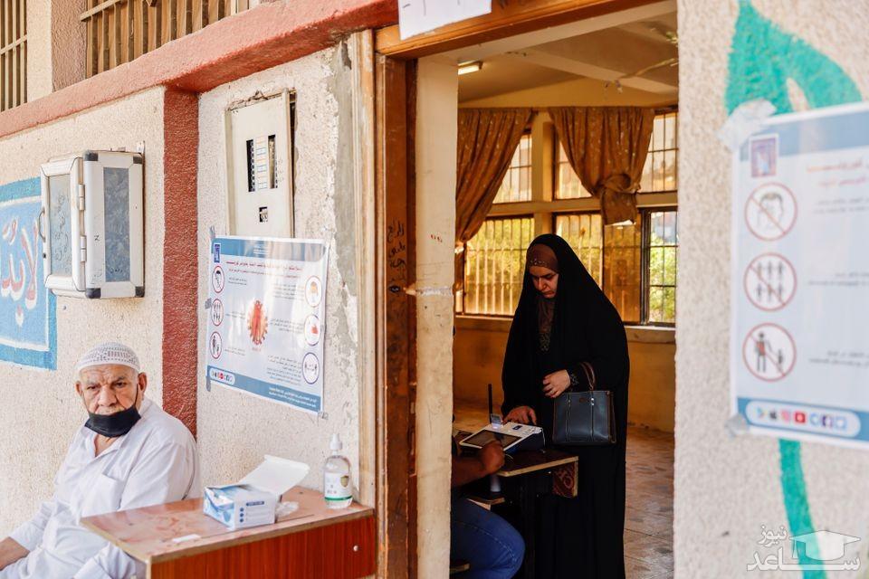 یک حوزه رای گیری در شهر کربلا عراق/ رویترز