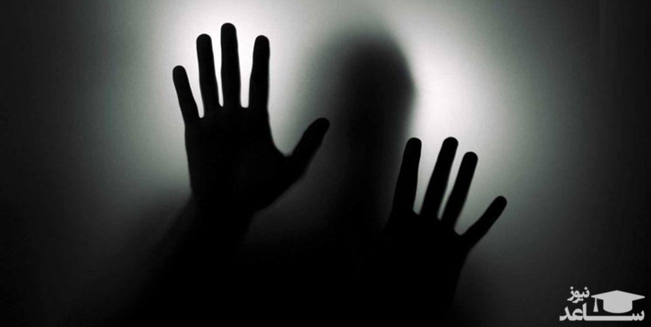 شلاق و تبعید مجازات آزار دختر دانشجو تهرانی در خانه مجردی