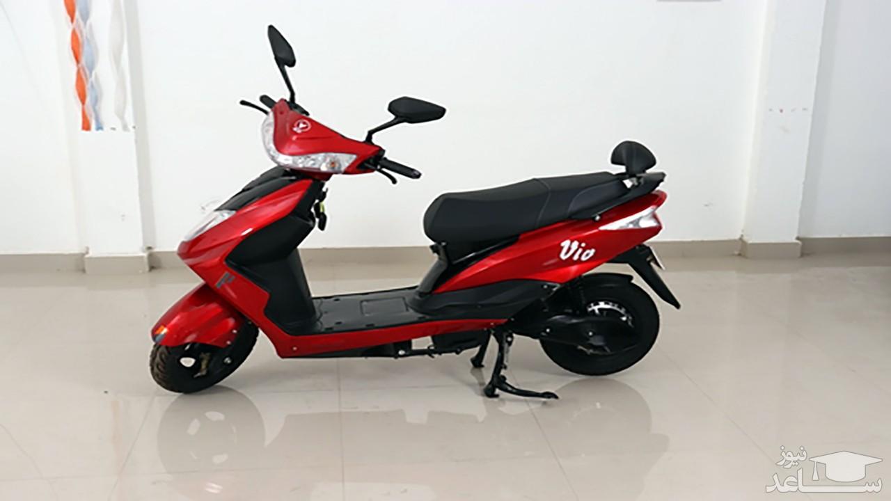 (فیلم) عاقبت خودنمایی با موتورسیکلت تازه خریداری شده