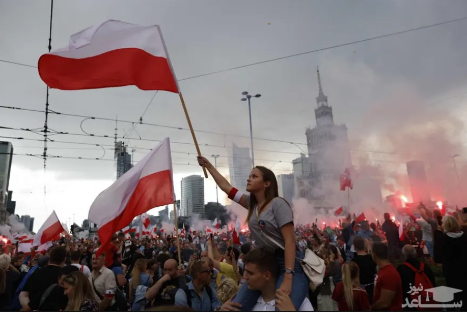 برگزاری مراسم گرامیداشت هفتادوهفتمین سالگرد قیام ورشو در پایتخت لهستان