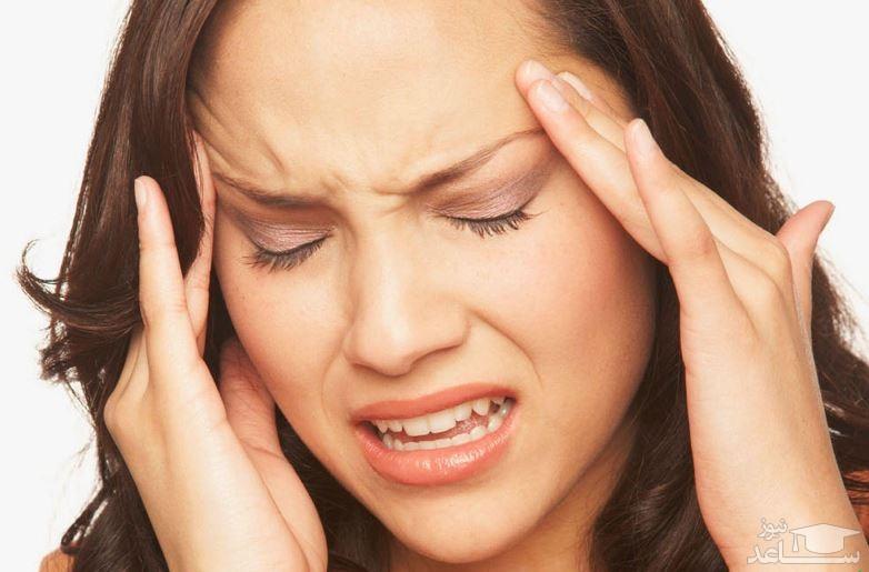 چه عاملی باعث میشود صبح با سردرد بیدار شویم؟