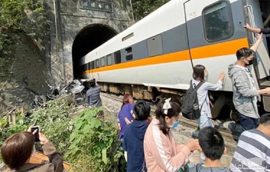 انتشار اولین تصاویر از لحظه حادثه مرگبار قطار مسافری تایوان