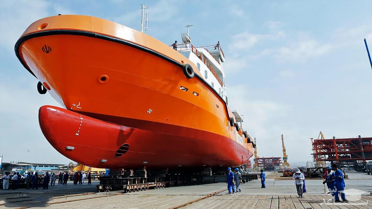 (فیلم) دو شیوه سنتی و مدرن در انتقال کشتیهای غولپیکر به آب