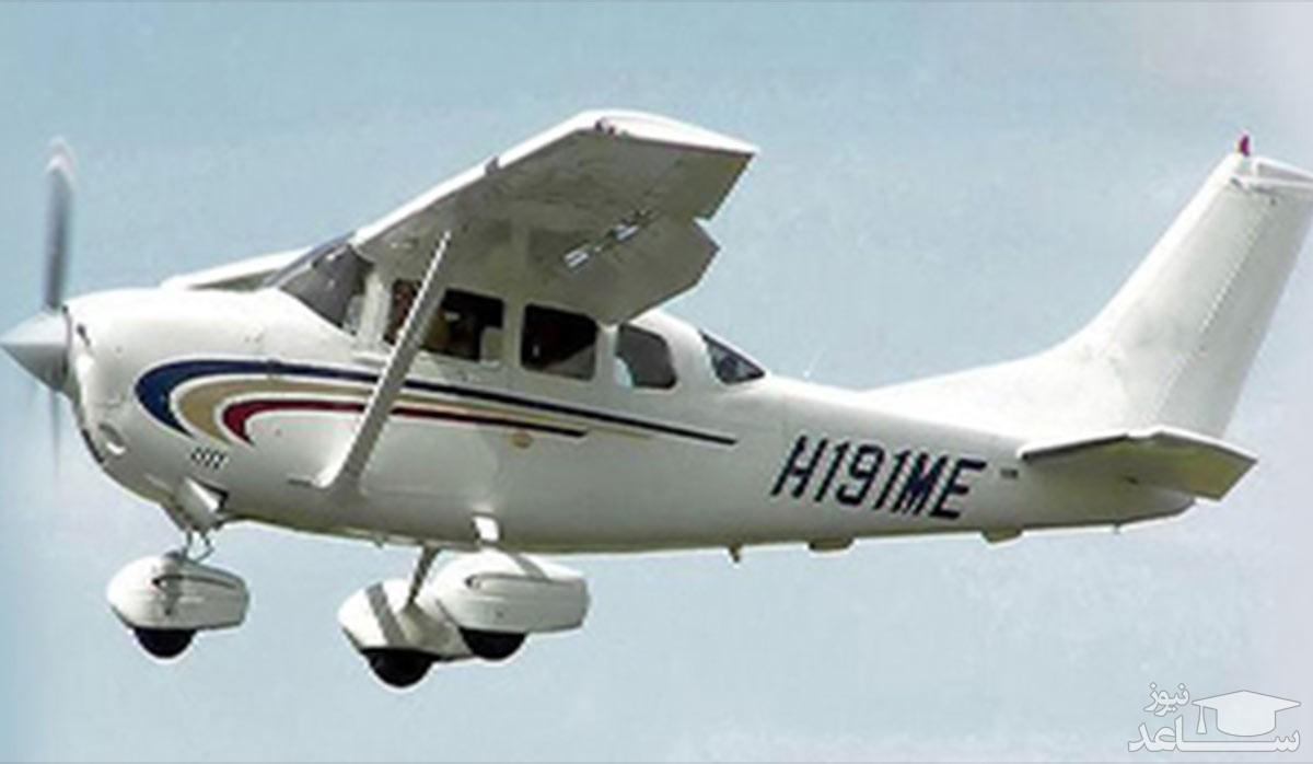 (فیلم) لحظه فرود اضطراری هواپیما وسط آزادراه در مونترال