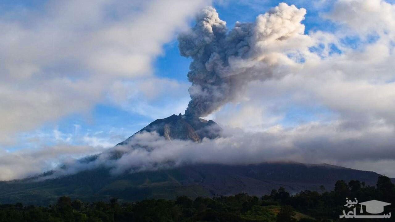 (فیلم) فوران عظیم یک کوه آتشفشان در اندونزی