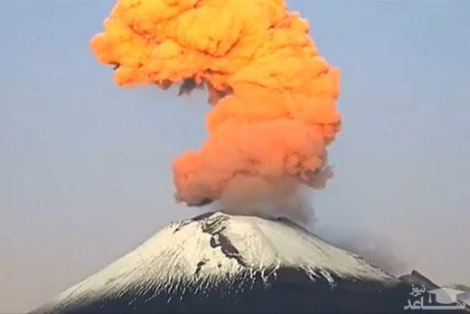 (فیلم) تصاویر زیبا از فوران کوه آتشفشان در مکزیک