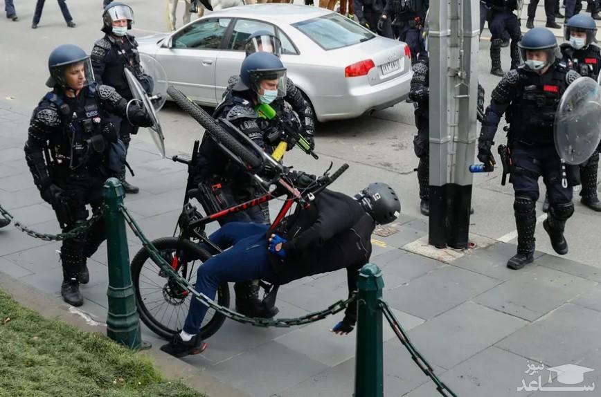 مقابله پلیس استرالیا با معترضان به محدودیت های کرونایی