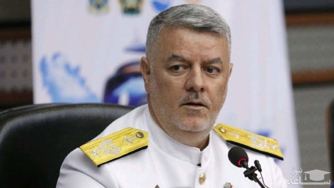 دریادار خانزادی:زمان آن است که استکبار جهانی بدهی اش به ایران و ایرانی را بپردازد