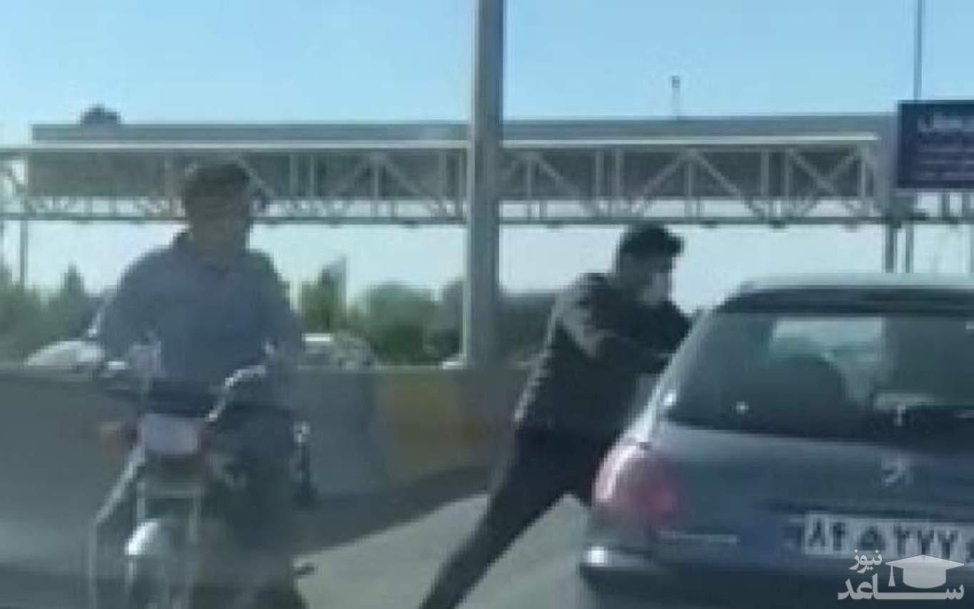 (فیلم) زورگیران آزادراه تهران - کرج دستگیر شدند