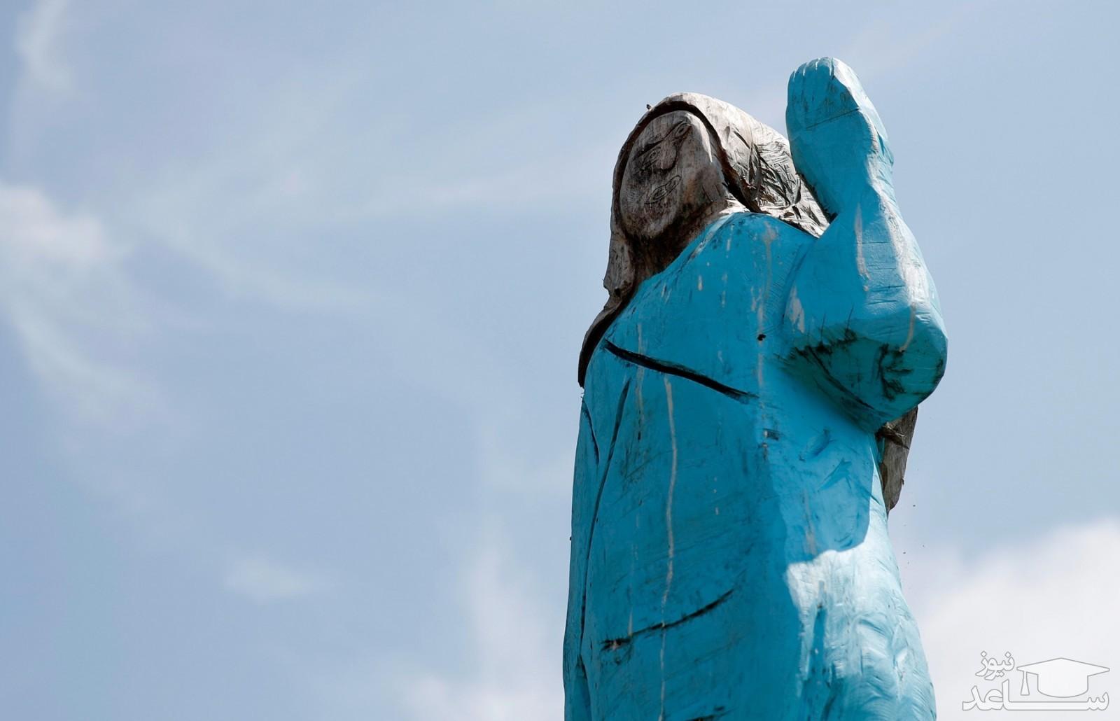 مردم اسلوونی مجسمه «ملانیا» را آتش زدند