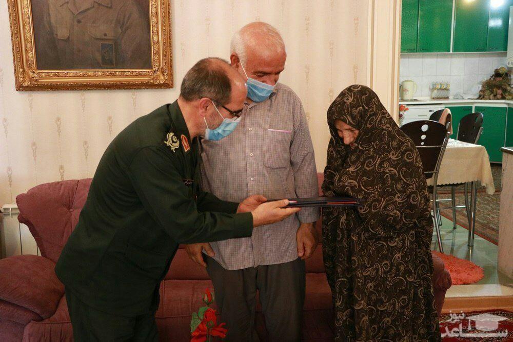 یک دست سلاح و یک دست میکروفن/ شهید مجید جباری شهیر الگویی جاودانه