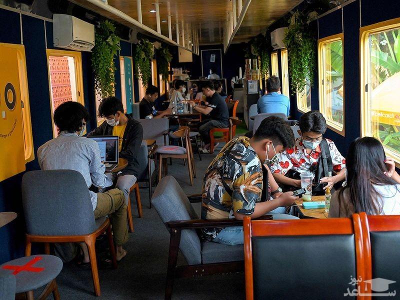 """یک کافه – ترن در شهر """"پنوم پن"""" کامبوج"""