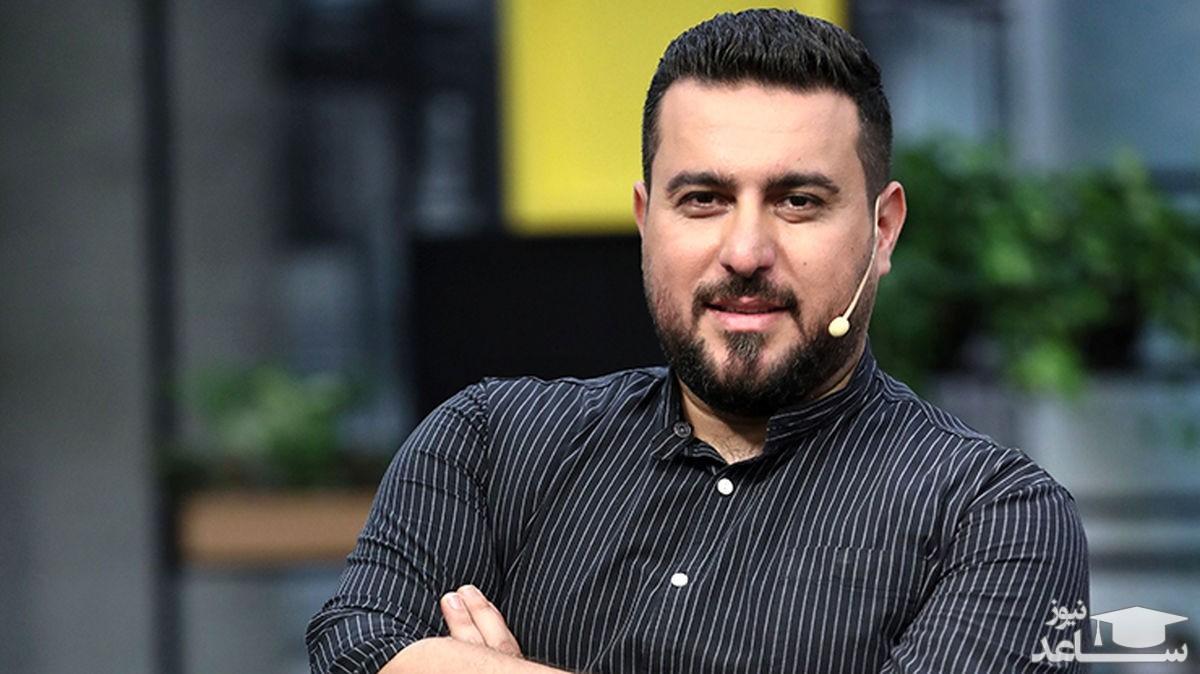 محسن کیایی در ماشین شخصی اش