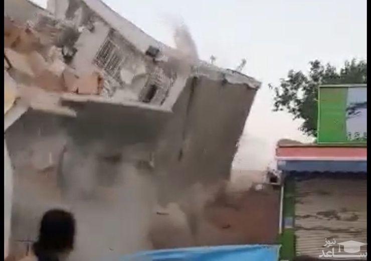 ویدئویی وحشتناک از ریزش و آتش سوزی ساختمان دو طبقه در تهران