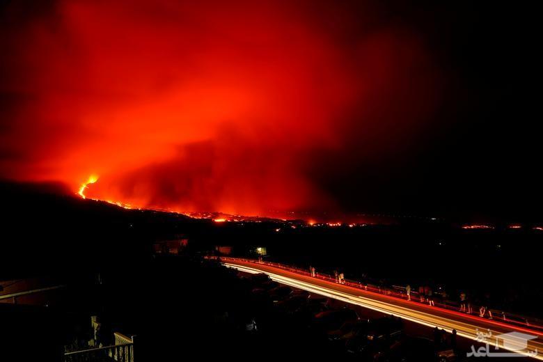 فعالیت آتشفشان در جزیره لاپالما در اسپانیا/ رویترز و گتی ایمجز