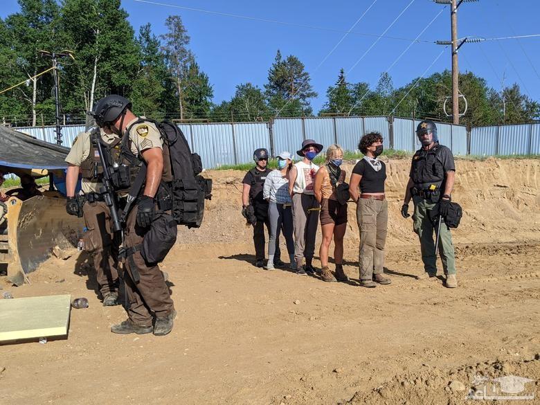 دستگیری یک گروه فعال محیط زیست
