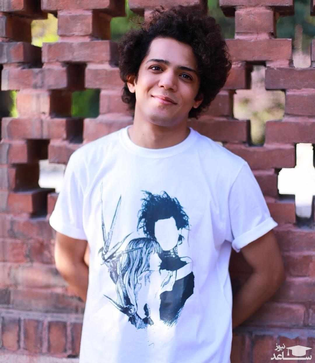 مجید نوروزی، بازیگر گاندو با موهای فرفری و عجیب
