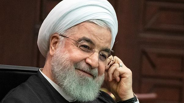 اشتباه عجیب رئیس جمهور در اعلام نام استان ها