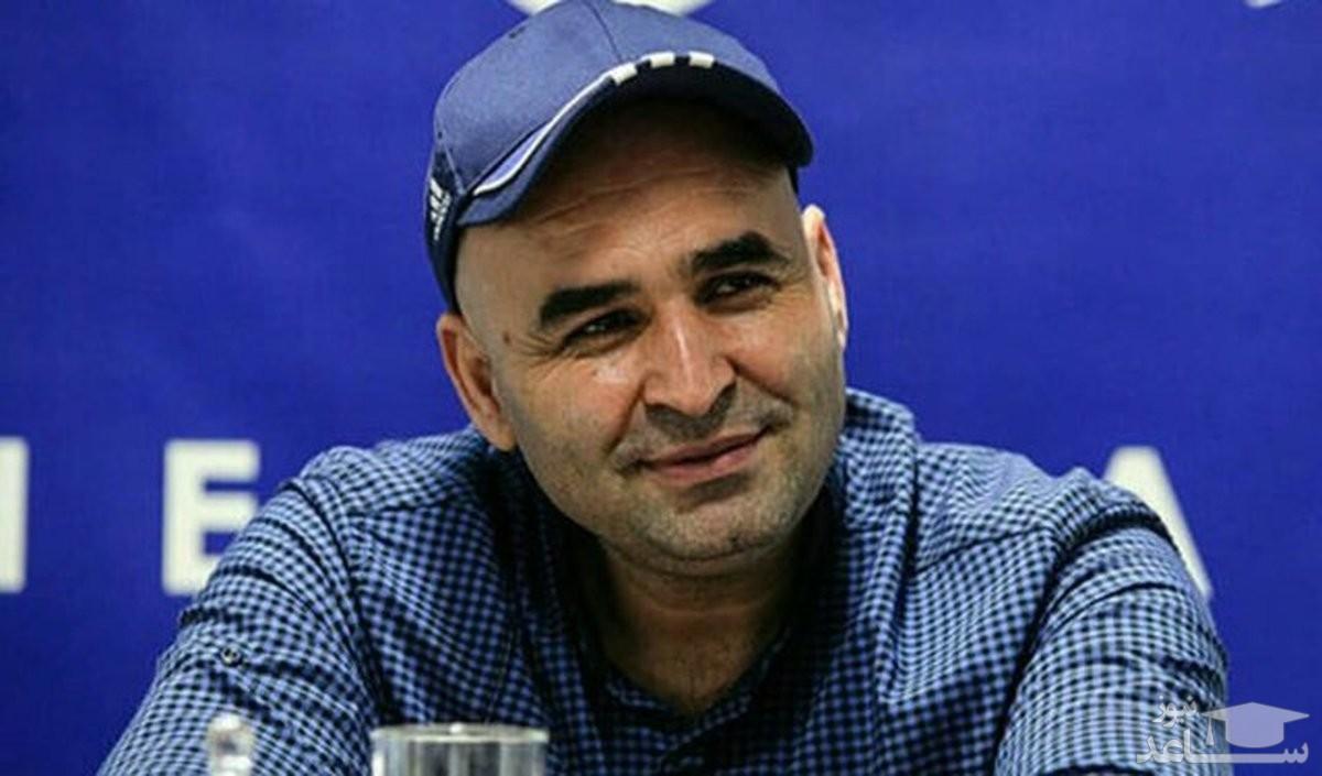 علی مسعودی در کنار ننه مرحومش