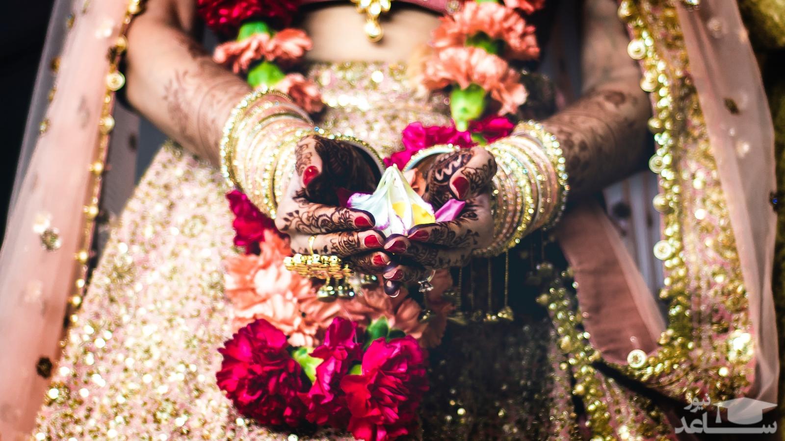 هدیه عجیب کمدین هندی به عروس و داماد سوژه شد!