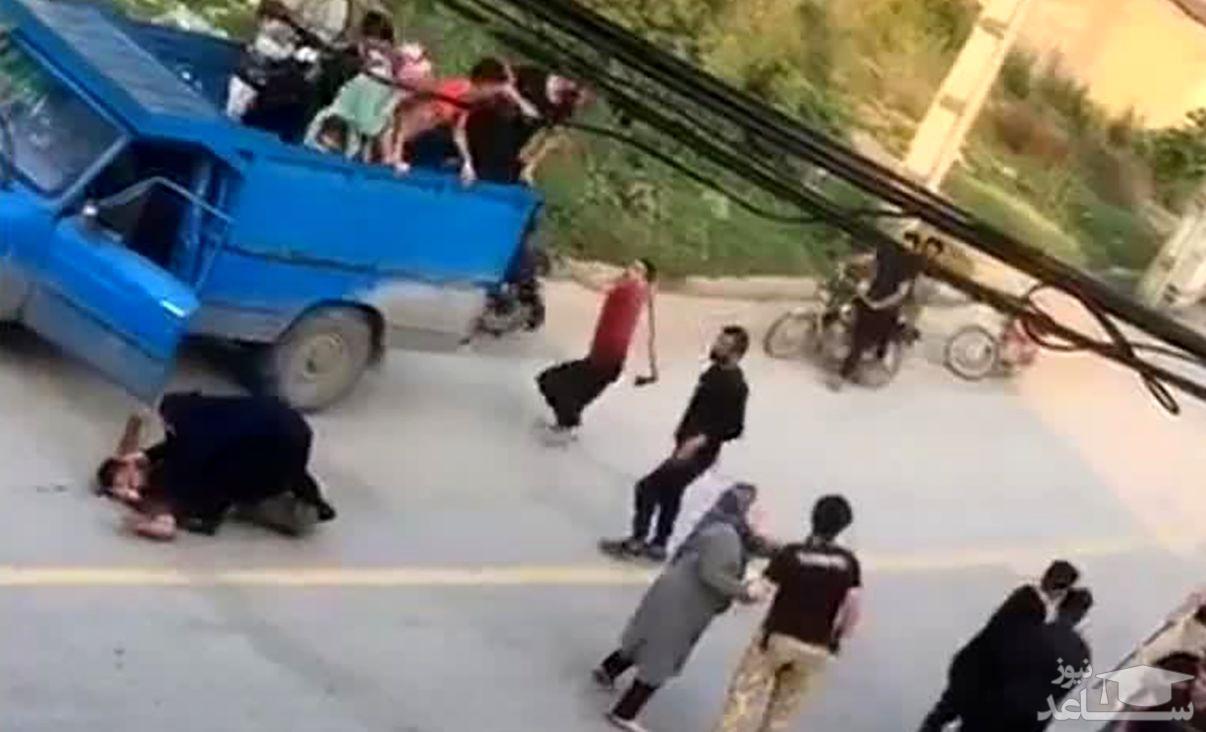 حمله وحشتناک ارذل و اوباش با تبر به مسافران در گرگان +فیلم