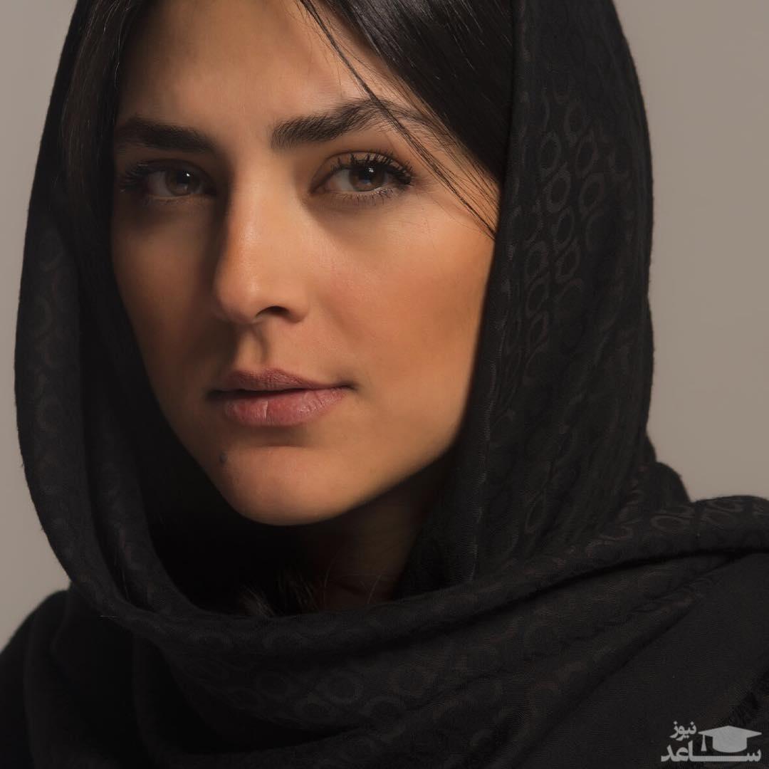 چهره ساده و زیبای هدی زین العابدین در ماشین