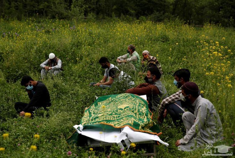 انتظار برای دفن جسد