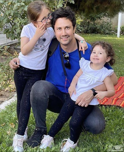 شاهرخ استخری و دخترانش در پارک