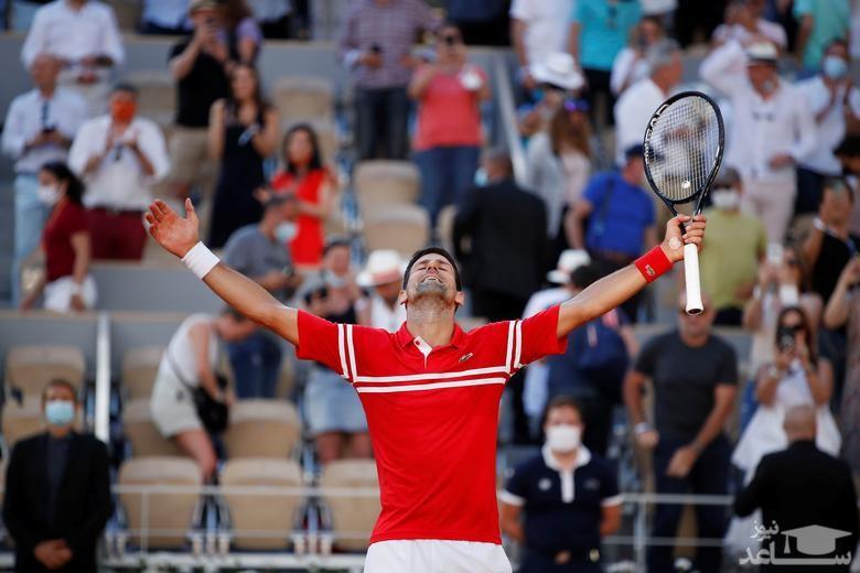 قهرمان مسابقات تنیس