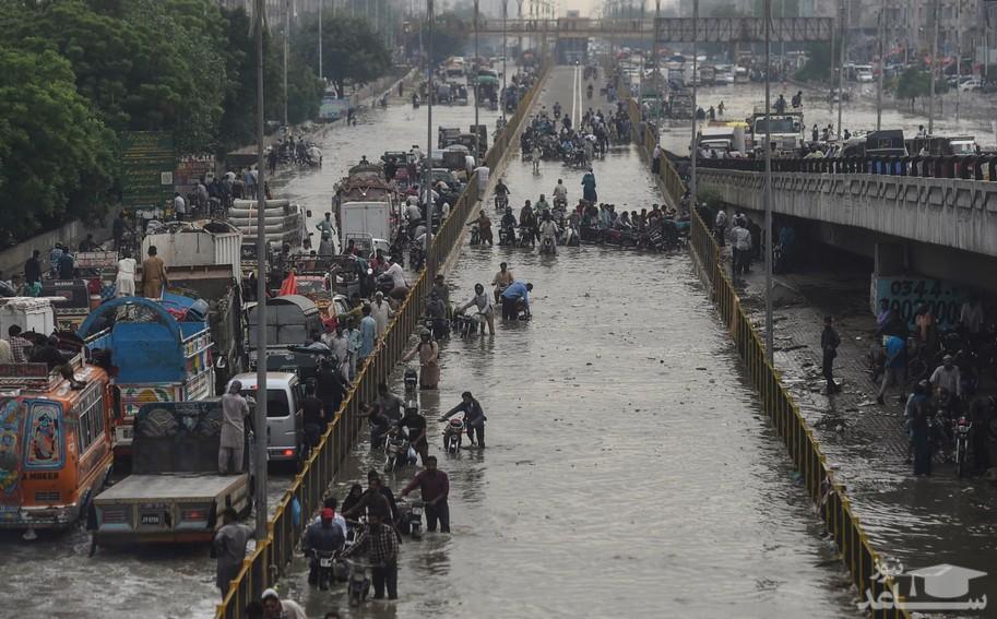 سیل در شهر کراچی پاکستان
