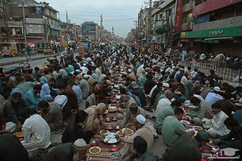سفره افطار مسلمانان درپاکستان