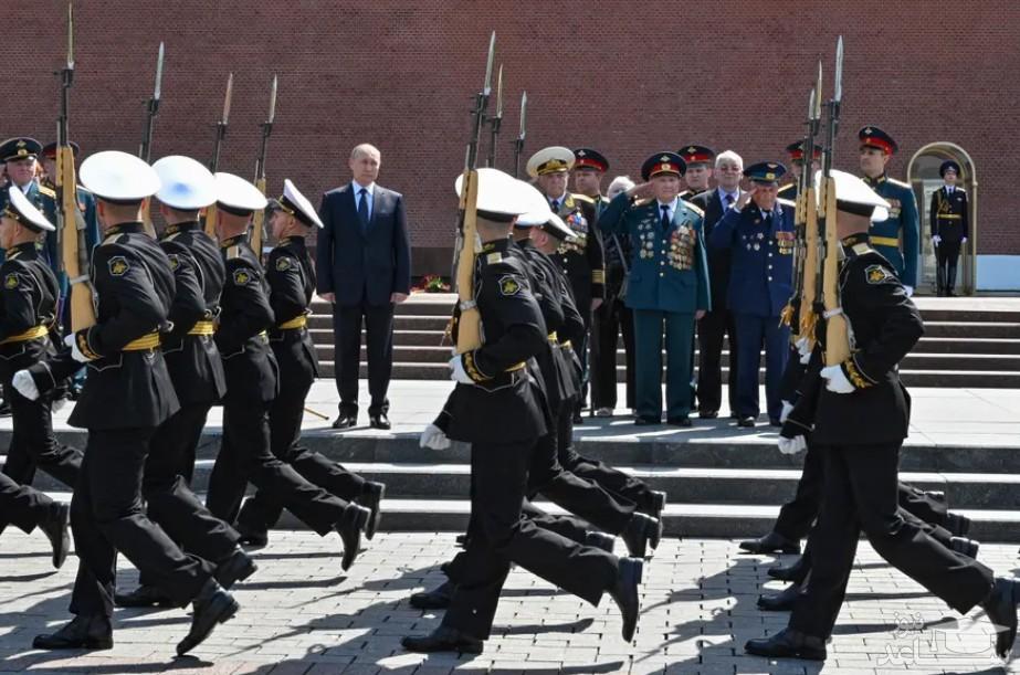 حضور پوتین در مراسم رژه نظامی به مناسبت هشتادمین سالگرد تجاوز آلمان نازی به شوروی در جنگ دوم جهانی