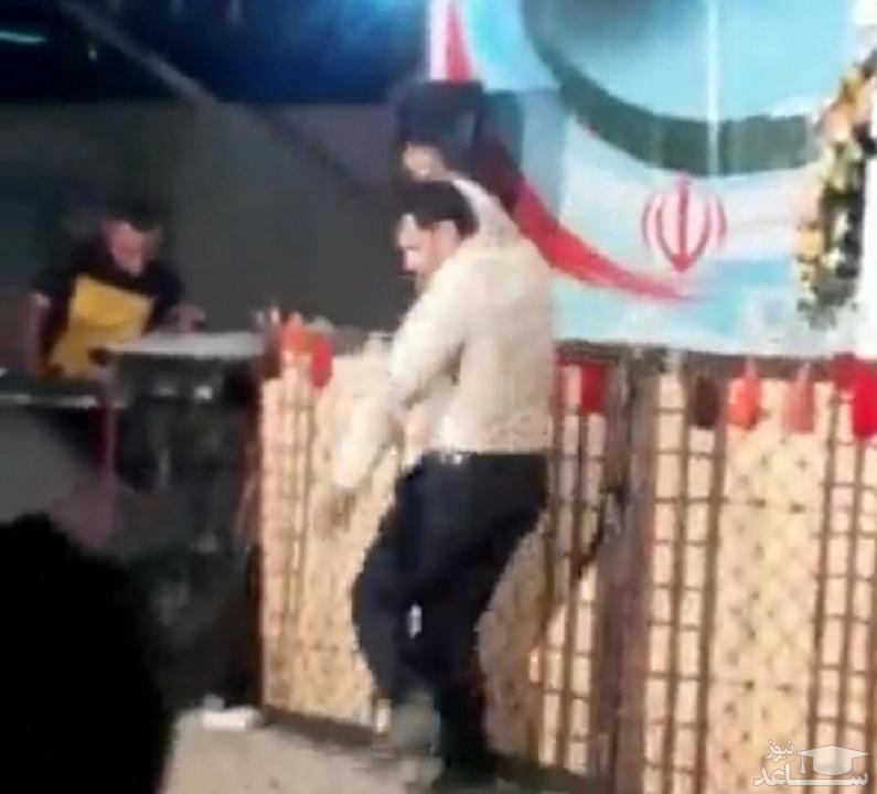 (فیلم) رقص کاندیدای انتخابات شورای شهر یاسوج در میتینگ انتخاباتی