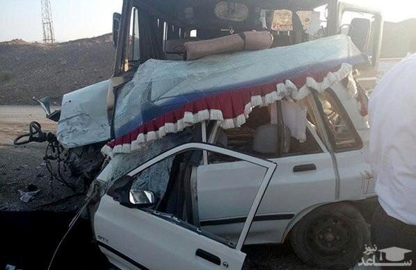 تصادف مینیبوس حامل دانشآموزان یزدی 2 فوتی برجای گذاشت